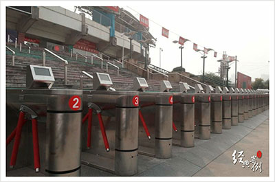 国内某体育场门禁安装