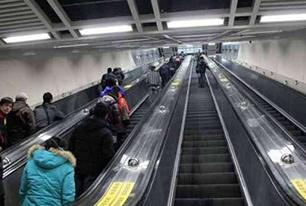 """地铁电梯装3000""""黑匣子""""遇故障及时报警"""